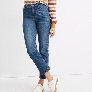 Petite Classic Straight Jeans in Coldbrook Wash